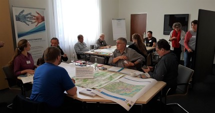 Group discussion about needs in the fields of mobility