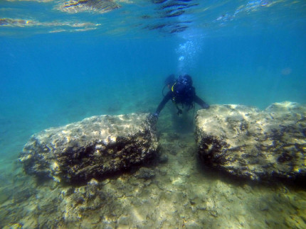 Relicts of the submerged roman port (photo: International Centre for Underwater Archaeology, Zadar)