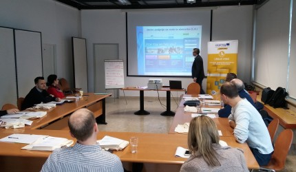 E-zavod and Municipality of Maribor representatives at workshop for public service providers
